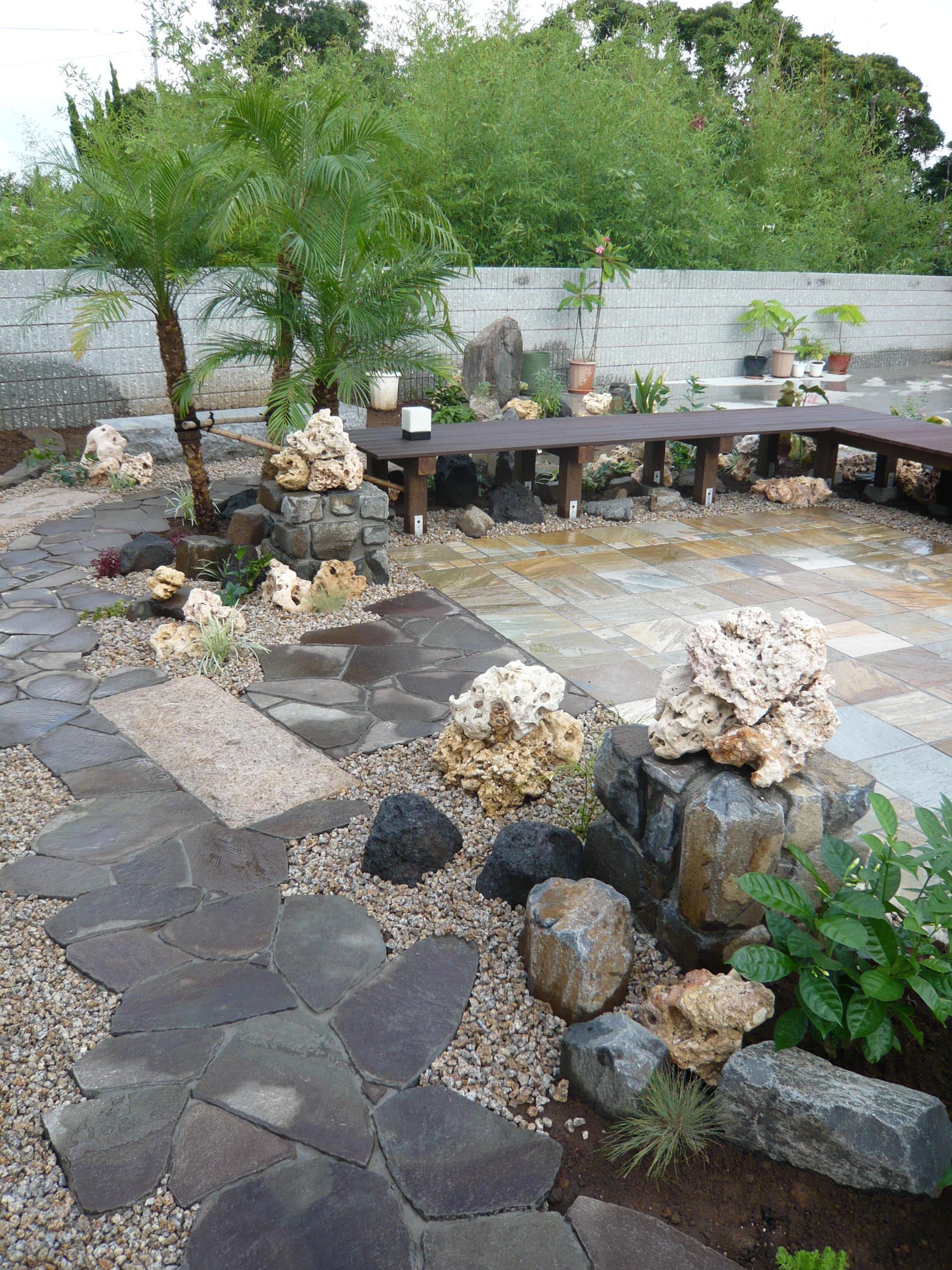 バリ島の雰囲気をお庭に