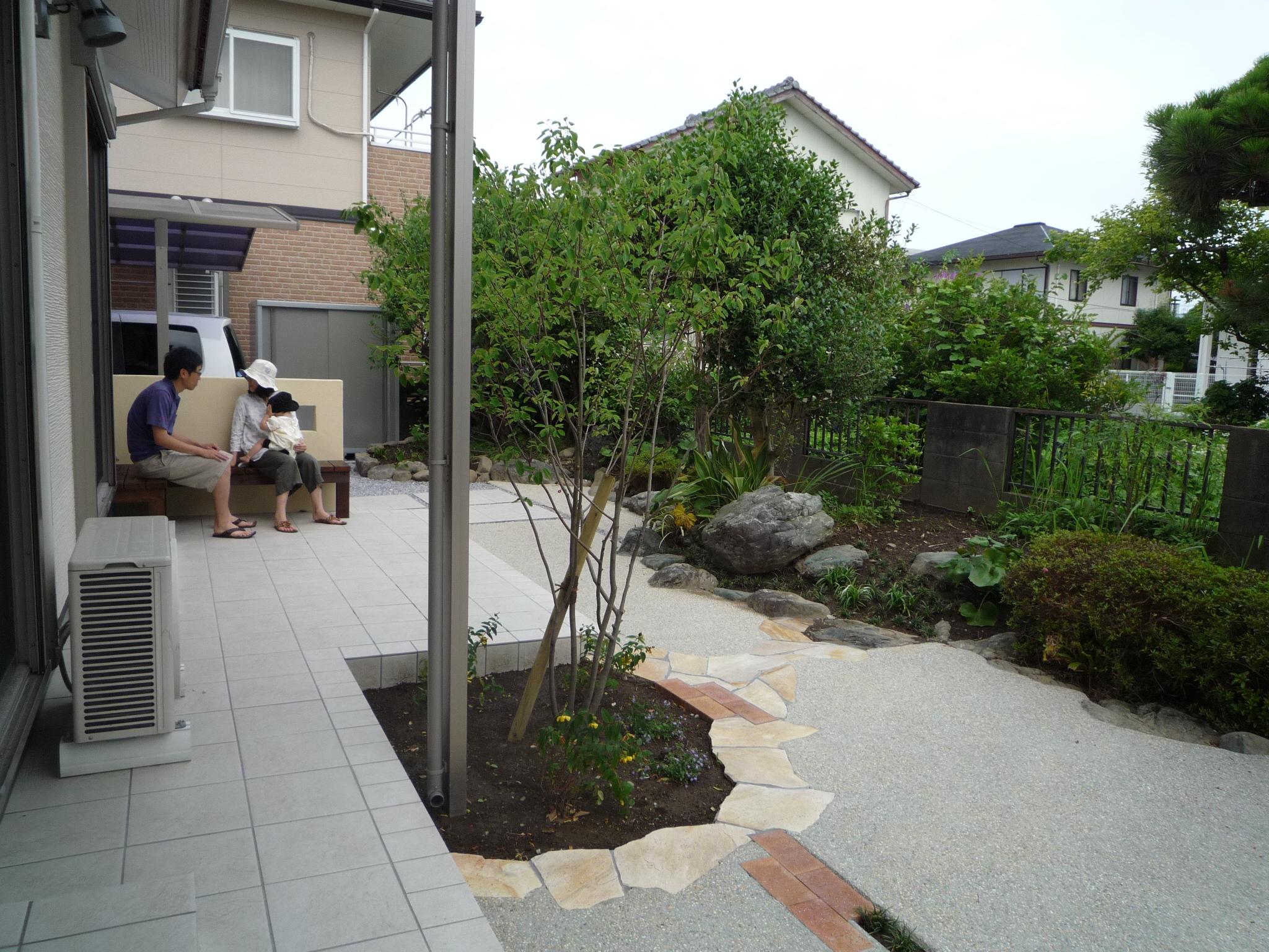お手入れ簡単すっきりお庭にリフォーム