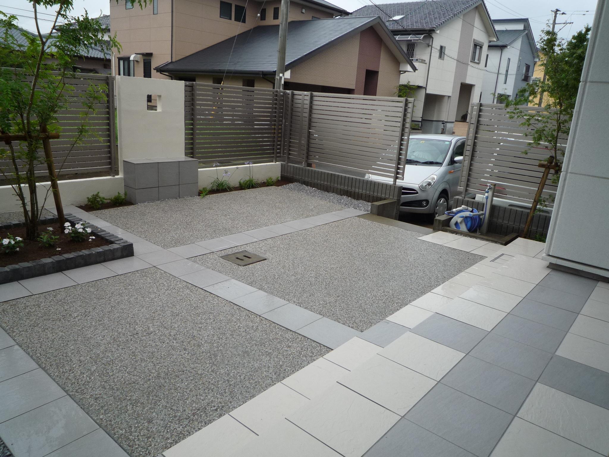 機能的なシンプルモダンなお庭