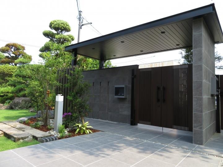風格のある門構えの家!