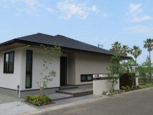 青島の青い空、芝の香り、そして、海風を感じながら・・・・・